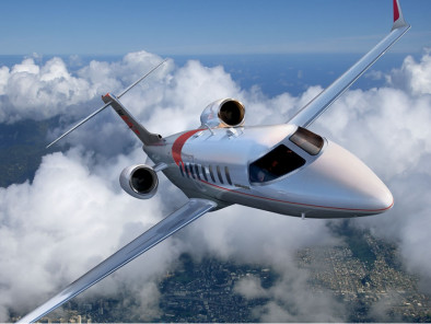 Bombardier LearJet 75, Private Aircraft, used by Private Jet Charter service from AB Corporate Aviation, showing bombardier-learjet-75-flying.