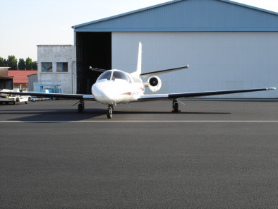 Cessna Citation V Ultra, Air taxi, used by Private Jet Charter service from AB Corporate Aviation, showing cessna-citation-5-ultra-outside.
