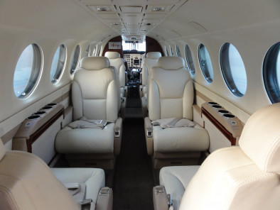 Image beechcraft-king-air-350-seats of Beechcraft King Air 350 available for rent of flights with a Business Aircraft
