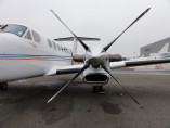 Image beechcraft-king-air-350-motor of Beechcraft King Air 350 available for rent of flights with a Business Aircraft