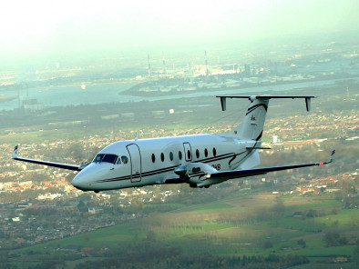 Beechcraft 1900D VIP, Business Aircraft, used by Private Jet Charter service from AB Corporate Aviation, showing beech-1900d-vip-flying.