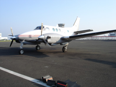 Image beechcraft-king-air-90-ready-take-off of Beechcraft King Air 90 available for rent of flights with a Air taxi