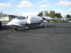 Piaggio P180 Avanti, Private Jet, used by Private Jet Charter service from AB Corporate Aviation, showing piaggio-p180-avanti-exterior.