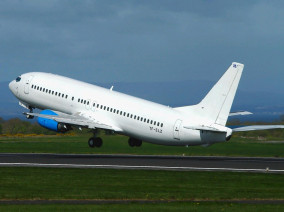 Image boeing-737-take-off of Boeing 737 available for rent of flights with a Airliner