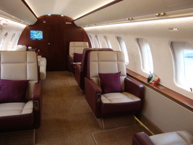 Bombardier Challenger 604, Private Jet, used by Private Jet Charter service from AB Corporate Aviation, showing challenger-605-inside.