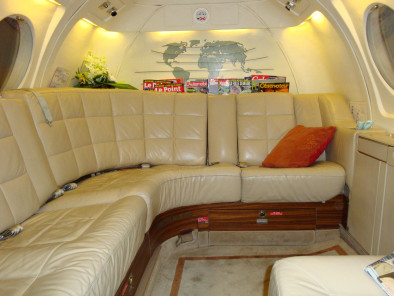 Image dassault-falcon-50-inside-02 of Dassault Falcon 50 available for rent of flights with a Business Aircraft
