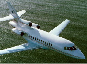Image dassault-falcon-900-flying of Dassault Falcon 900 EX available for rent of flights with a Private Jet