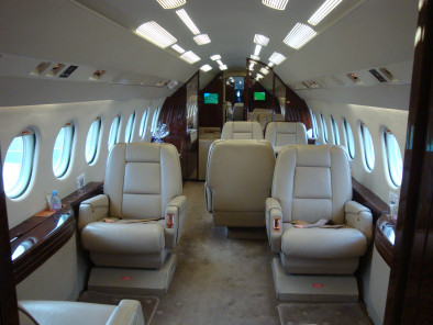 Image dassault-falcon-900-inside-01 of Dassault Falcon 900 EX available for rent of flights with a Business Jet