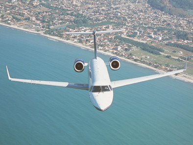 Image embraer-legacy-flying of Embraer Legacy available for rent of flights with a Private Jet