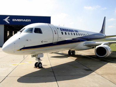 Image embraer-190-outside of Embraer 190 available for rent of flights with a Airliner